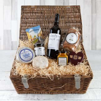 Cheese & Wine Hamper, Luxury Cheese & Wine Hampers, Cotswold Food Hampers, Chutney, Cheese & Wine Gifts, Cheese Gifts, Online, UK Delivery