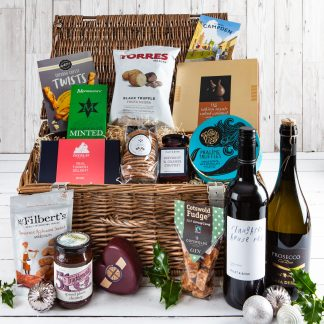 Christmas Hamper, Christmas Gift, Wicker Christmas Food Hamper,Cotswold Food Hampers, Luxury Gifts, Xmas Gift, Cotswold Xmas Gift, UK Delivery, Online Order, Luxury Wicker Hamper, Perfect Christmas Gift,